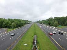 2014-05-16_13_44_32_View_south_along_Interstate_295_from_the_Sloan_Avenue_(Mercer_County_Route_649)_overpass_in_Hamilton_Township,_New_Jersey